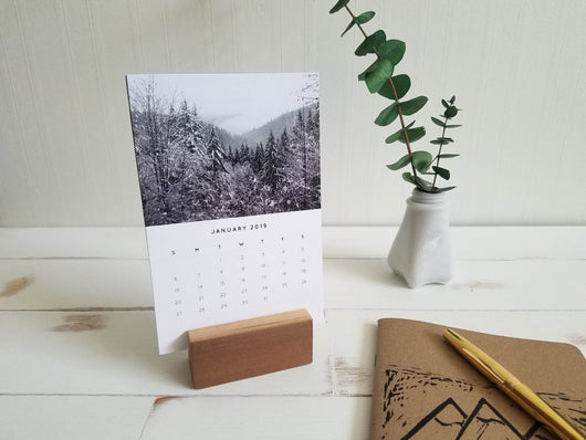 2019 Desk Calendar with Wood Stand