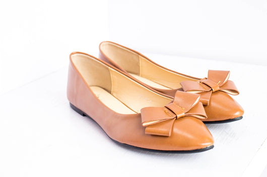 Dej Brown Bow Pointed Flats