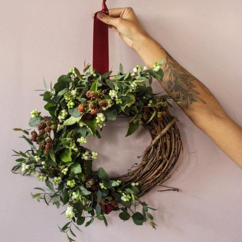 HOLIDAY WREATHS AND CANDLE CARVING