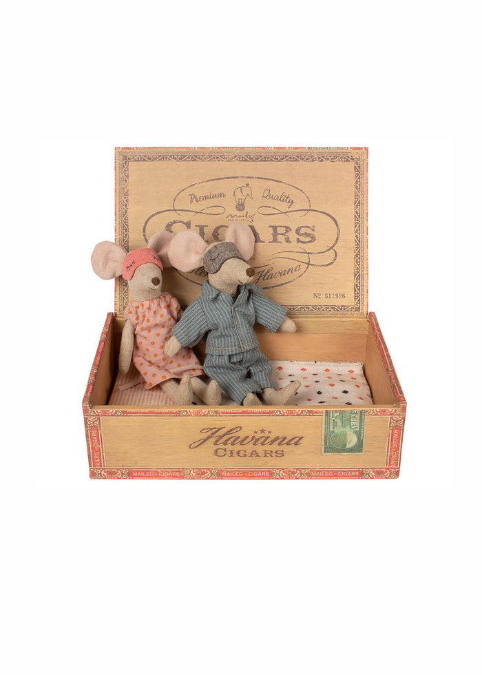 MUM & DAD MICE CIGAR BOX