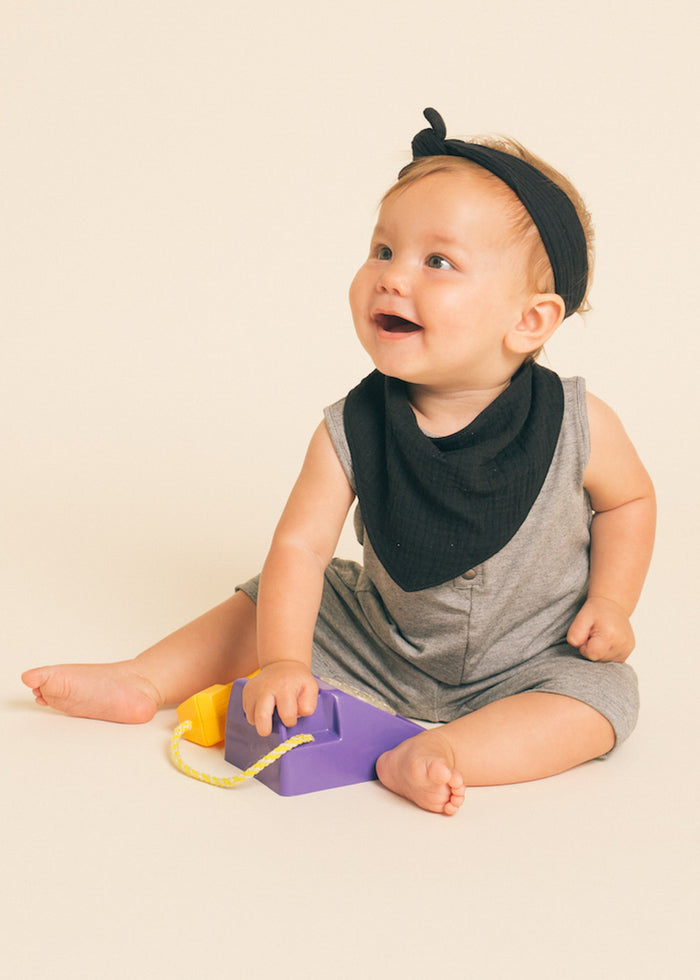 HANDKERCHIEF BIB - BLACK