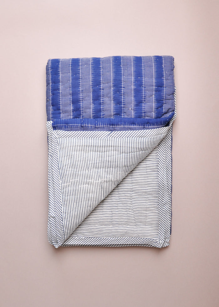 REVERSIBLE QUILT - BLUE STRIPES