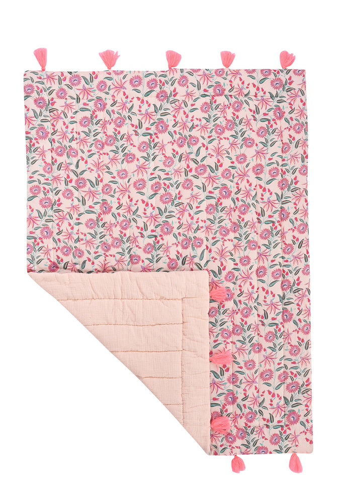 FLORAL QUILTED BLANKET - BLUSH