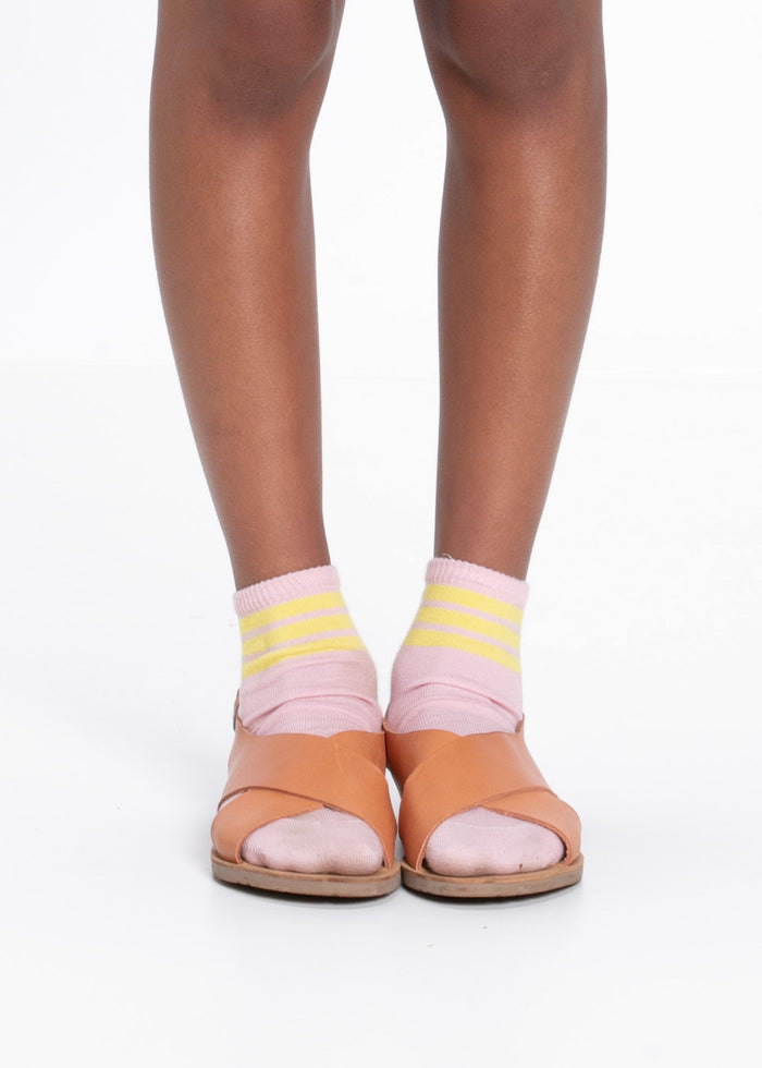 STRIPE ANKLE SOCKS - PINK