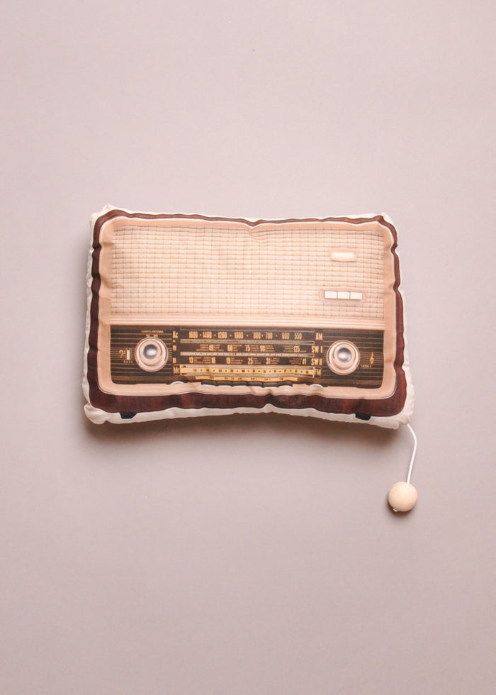 WOOD RADIO MUSIC BOX PILLOW
