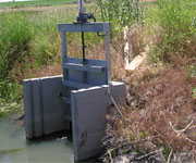 Twin Track Weir with Stainless Steel Slide Gate