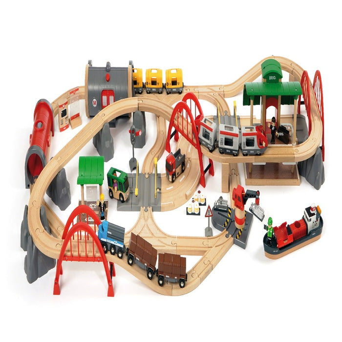BRIO Set 33052 - Deluxe Railway Set, 87 pieces (5505688469656)