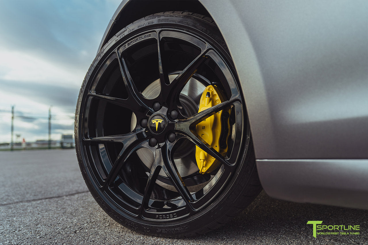 Model S with Custom Yellow Brake Caliper Color