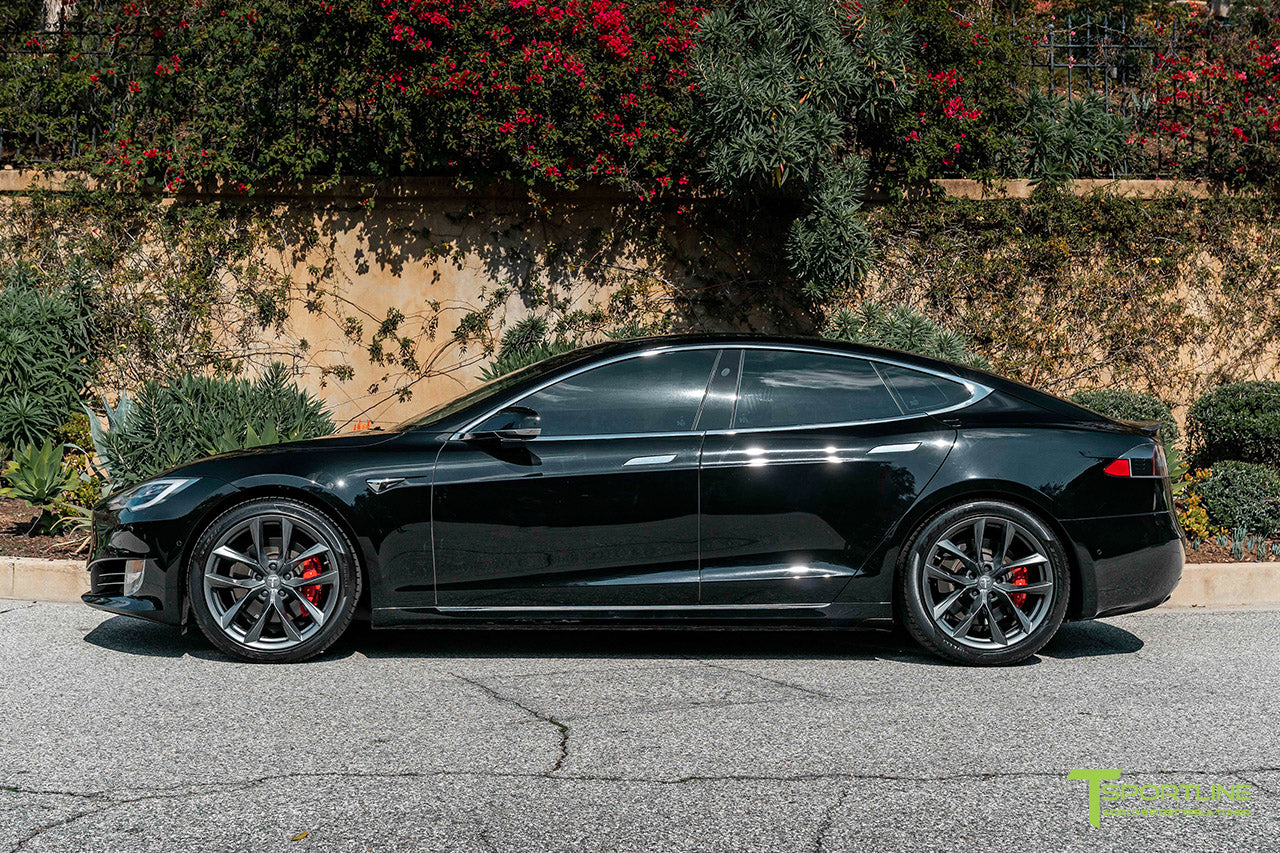 Black Tesla Model S with Space Gray 20