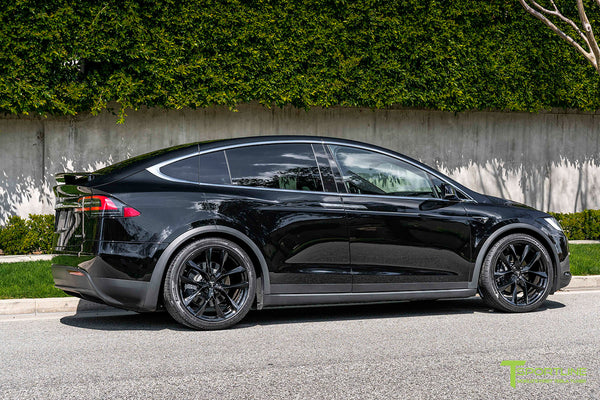 Black Tesla Model X with 22
