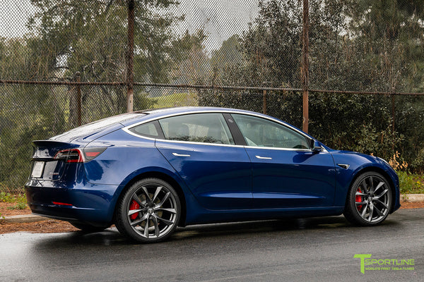 Deep Blue Metallic Tesla Model 3 with Space Gray 20