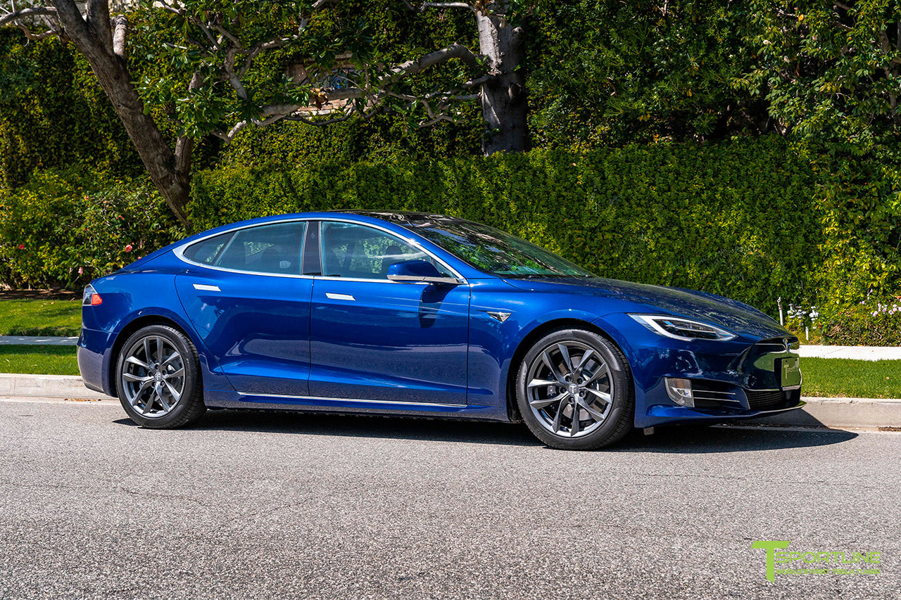 Deep Blue Metallic Tesla Model S with 19