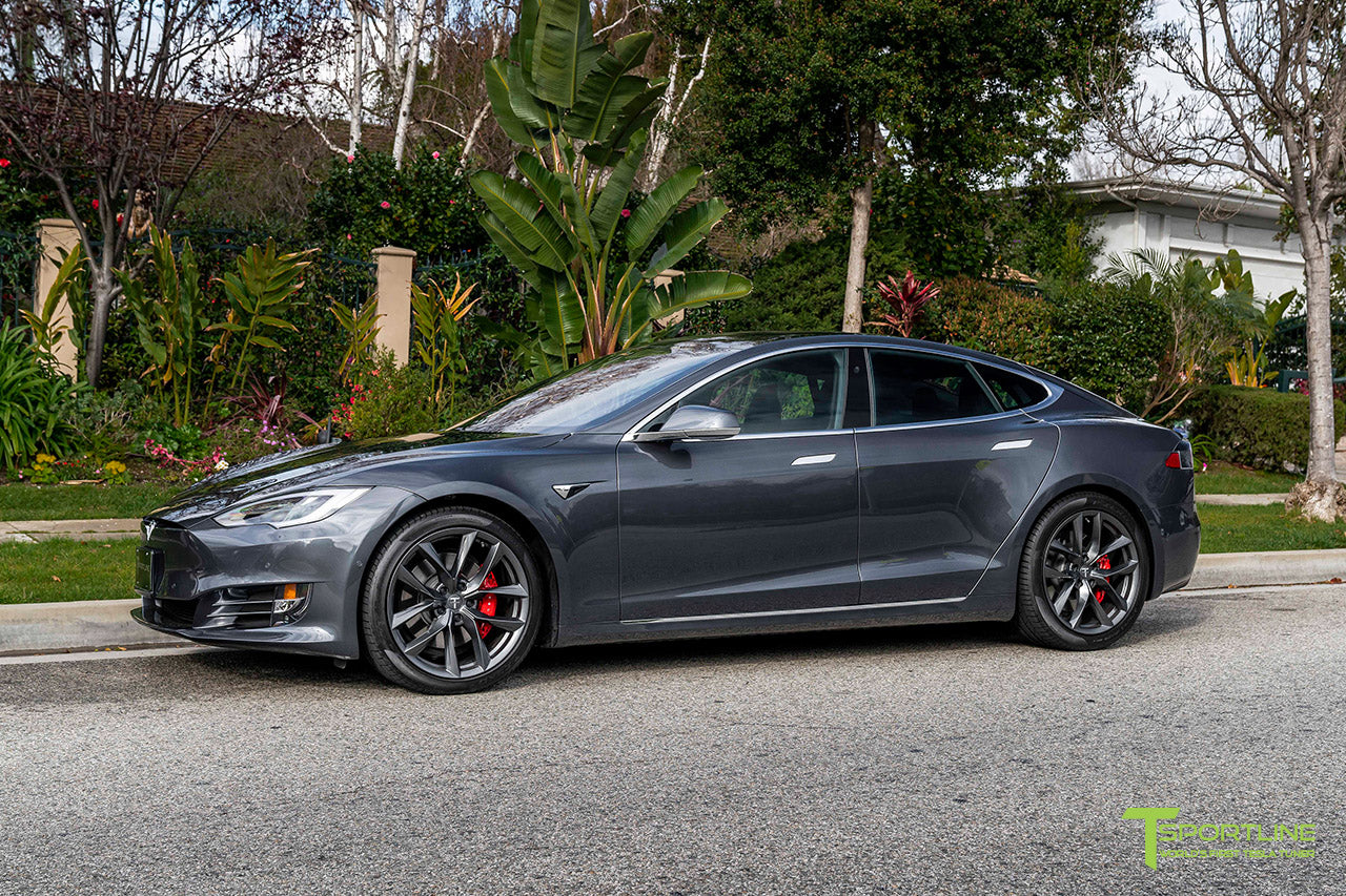 Midnight Silver Metallic Tesla Model S with 20