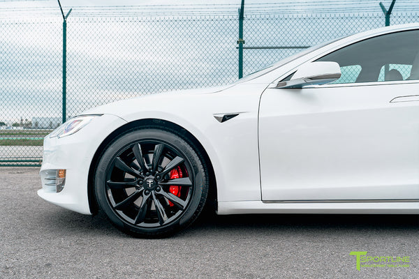 Pearl White Tesla Model S with Gloss Black 19