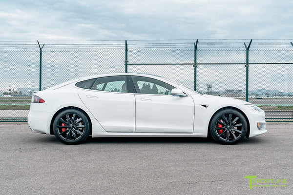 Pearl White Tesla Model S with Matte Black 19