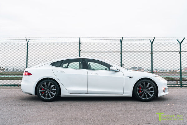 Pearl White Tesla Model S with Space Gray 19