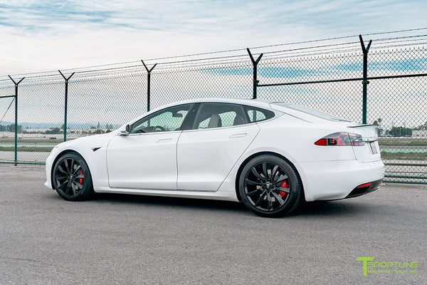 Pearl White Tesla Model S with Gloss Black 20