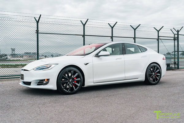 Pearl White Tesla Model S with Matte Black 20