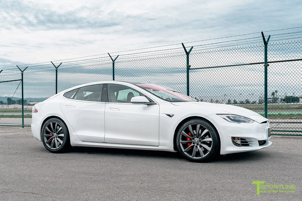 Pearl White Tesla Model S with Space Gray 20