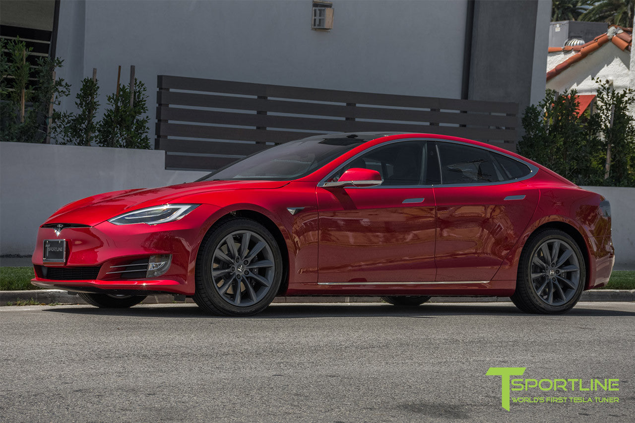 "Red Multi-Coat Model S 2.0 with 19"" TST Tesla Wheel in Metallic Grey"