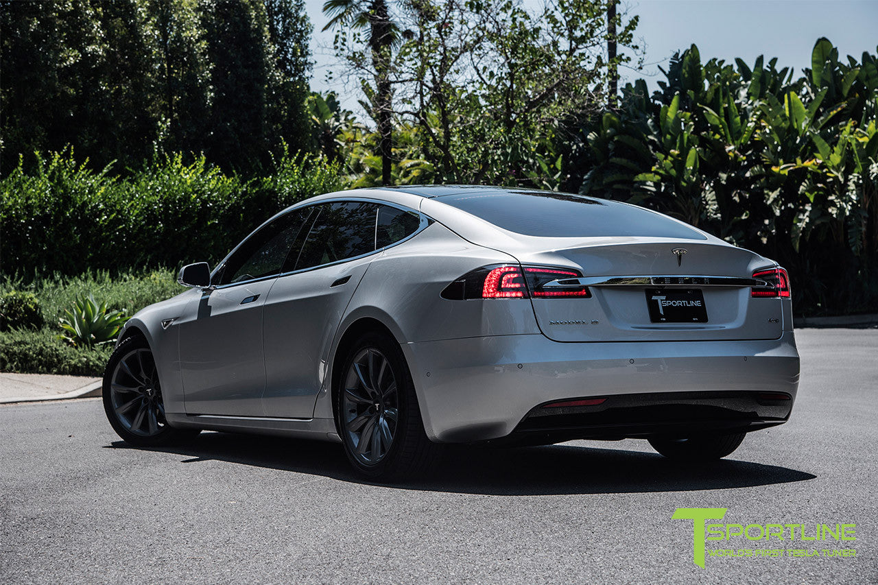 Silver Tesla Model S 2.0 with 19 Inch TST Wheels in Metallic Grey