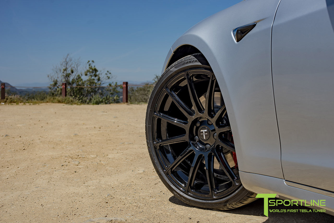 "Silver Tesla Model S 2.0 with 21"" TS112 Forged Wheel in Gloss Black"