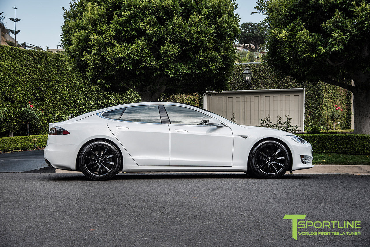 "White Model S 2.0 with 19"" TST Tesla Wheel in Gloss Black"