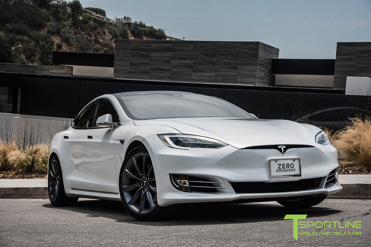 "White Model S 2.0 with 20"" TST Tesla Wheel in Metallic Grey"