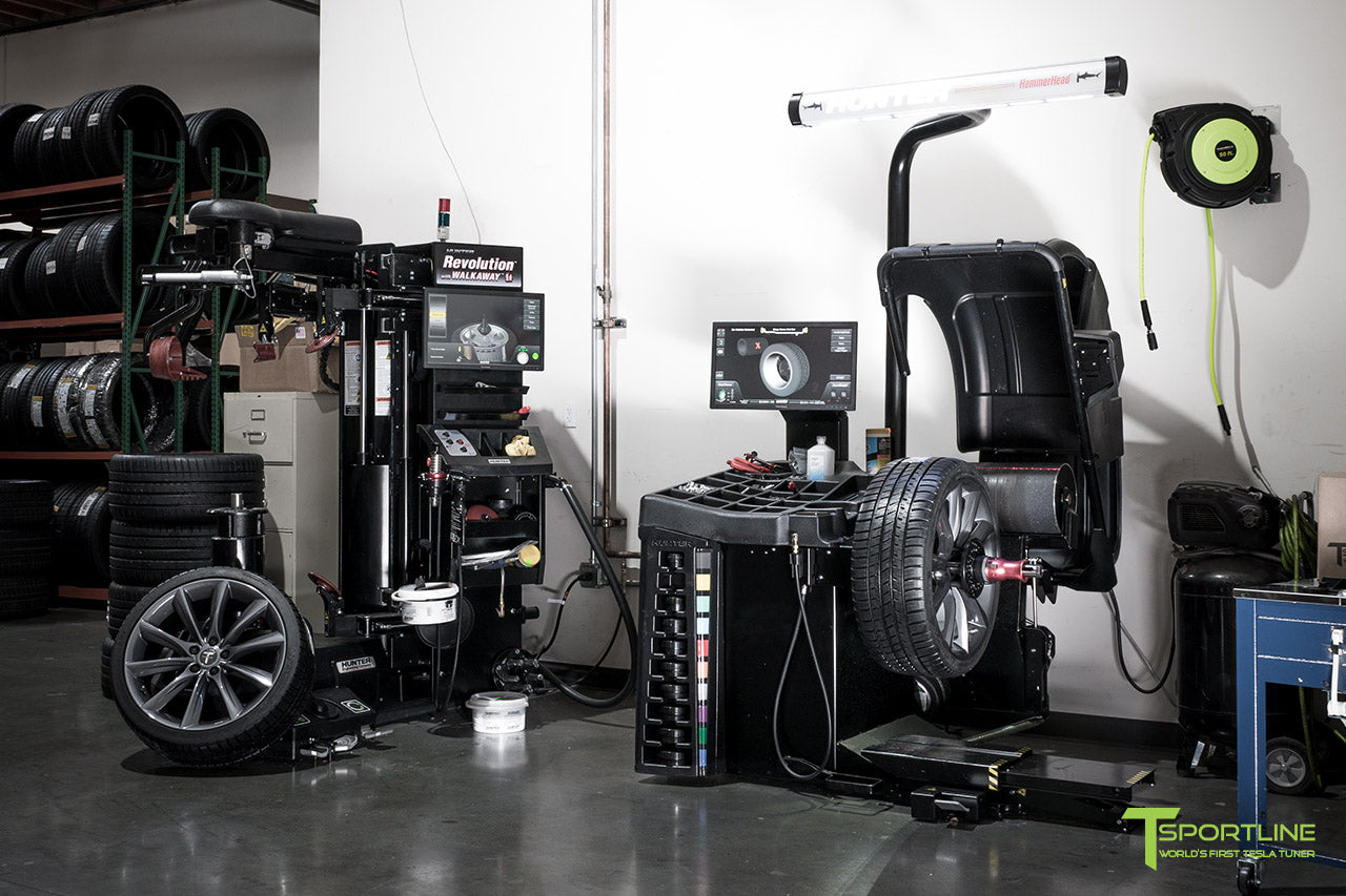 Tesla Model S, 3, and X Wheel and Tire Mounting and Balancing using Hunter Roadforce Machines