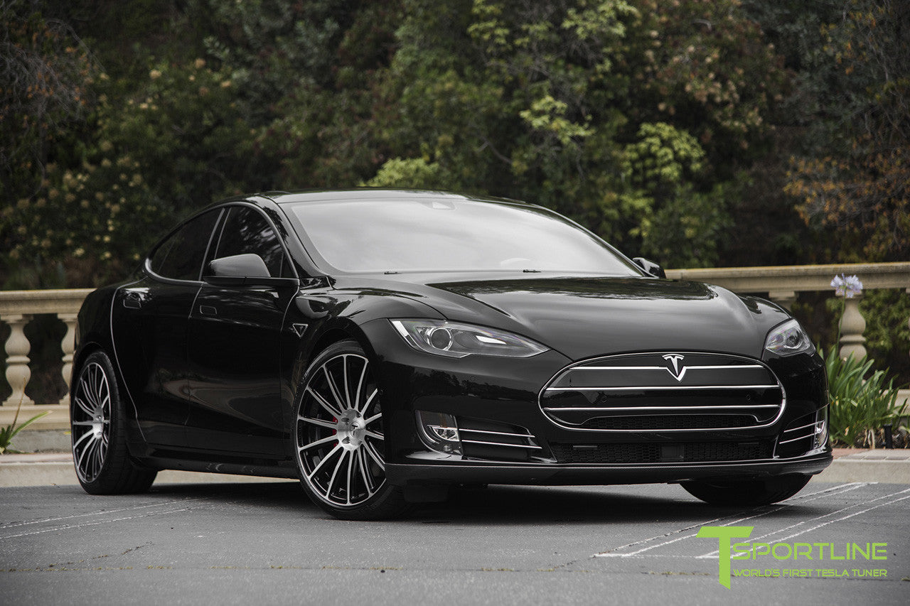 Black Tesla Model S 1.0 with Nosecone Grille