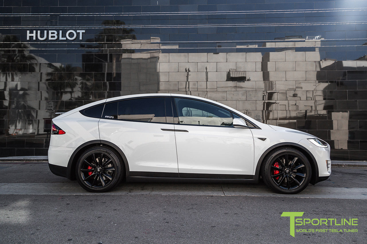"White Model X with 20"" TST Tesla Wheel in Gloss Black"