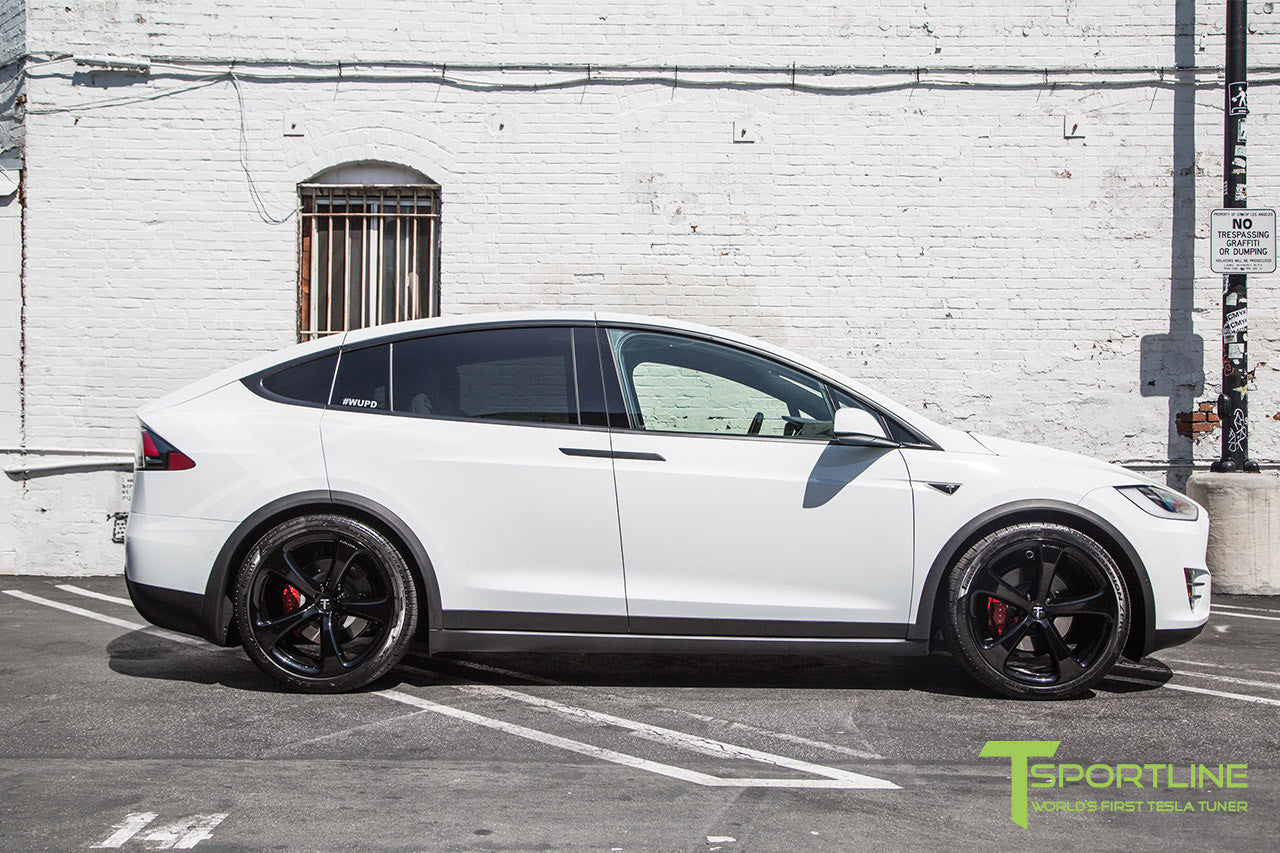 Pearl White Tesla Model X with Gloss Black 22 inch MX5 Forged Wheels