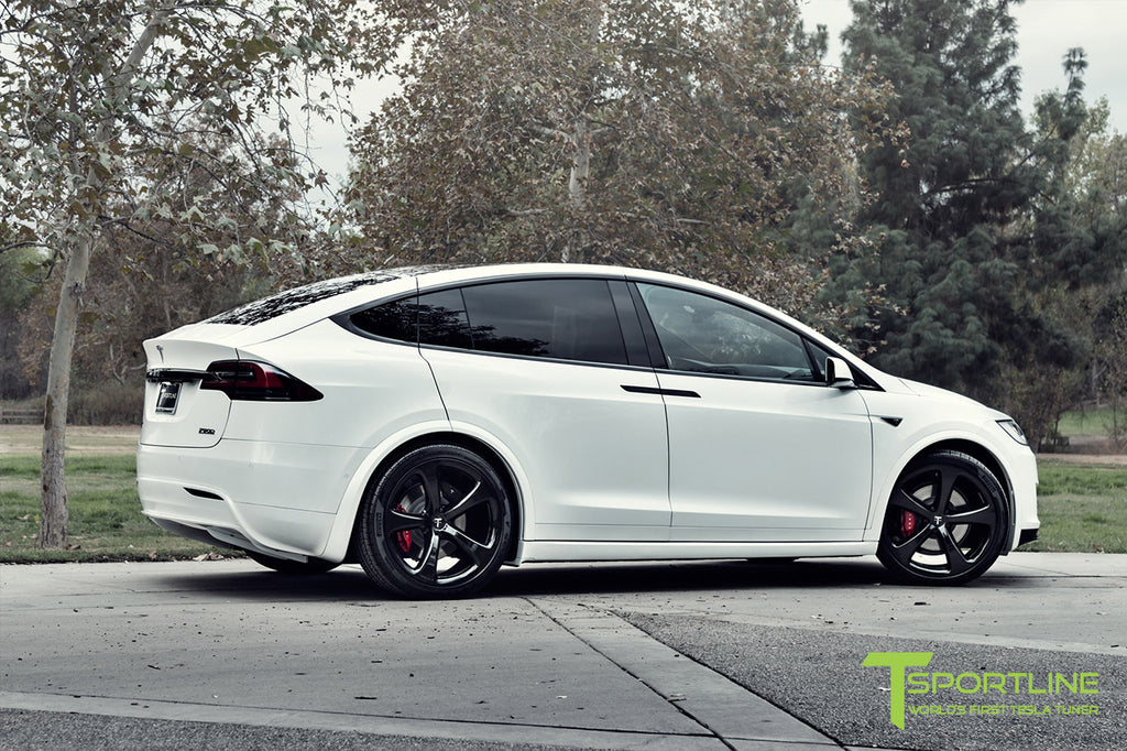 Pearl White Multi-Coat Model X with 3M Gloss Black Chrome Delete