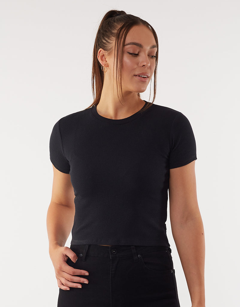 MANHATTAN SHORT SLEEVE TEE - BLACK