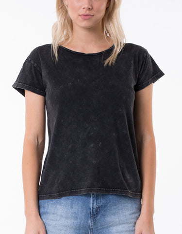 TEE POLLY - WASHED BLACK