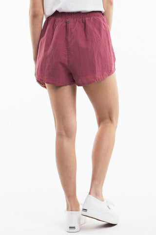 ALL ABOUT EVE Amara Short Burgundy 34782