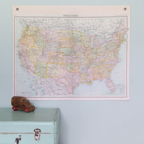 Vintage USA hanging map