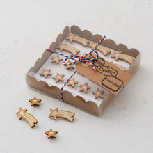 Wooden star pins/magnets