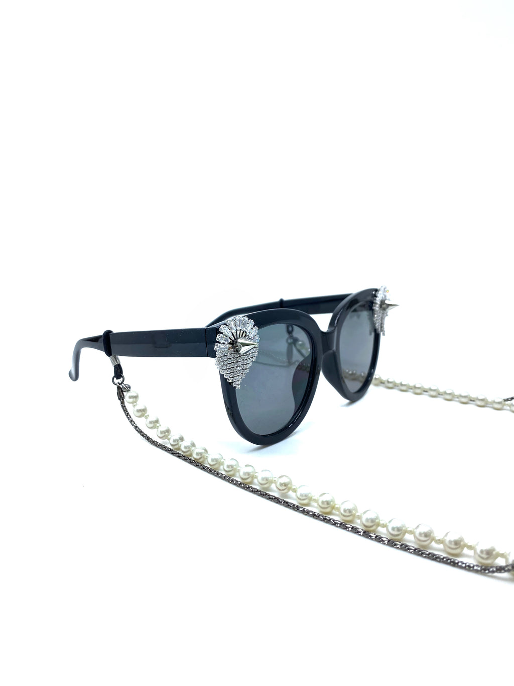 GLASS CRYSTAL-EMBELLISHED SUNGLASSES WITH PLATED PEARL CHAIN