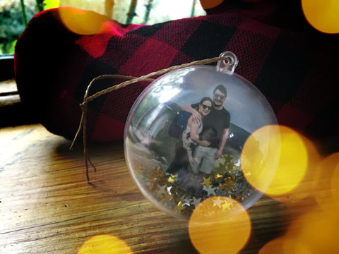 How to Make Personalized Photo Christmas Baubles, Christmas tree photography, Photo Christmas ornaments, Photography Gifts UK, Creative Photography Gifts, Gifts for Photography Enthusiast, Gifts for Photographers under $50, Gifts for Photographers under $25, Abigail Fahey Photography