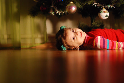 How to Take Magical Photos in Front of Your Christmas Tree, How to take Christmas tree photos, Christmas tree photography, Photography Gifts UK, Creative Photography Gifts, Gifts for Photography Enthusiast, Gifts for Photographers under $50, Gifts for Photographers under $25, Abigail Fahey Photography