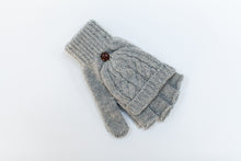 knitted fingerless gloves for photographers