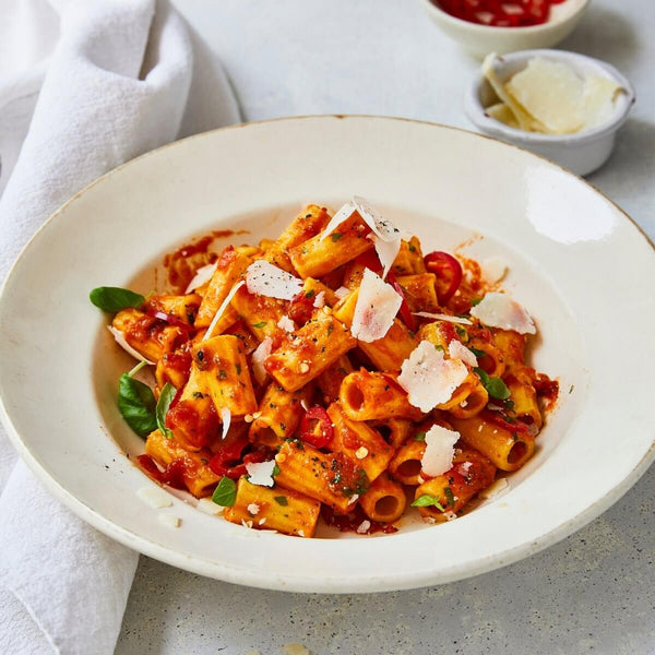 pasta evangelists - How to Pair Your Pasta with the Perfect Sauce - maccheroni with tomato