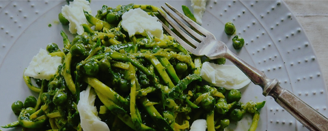 Trenette with pesto, peas, courgette and ricotta