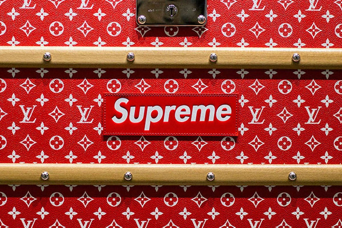 How Supreme & Stussy Streetwear Tshirts are Related ? Chaotic Wish Plus Mens Were Represented Here Sadly Not.... Maybe in The Future?