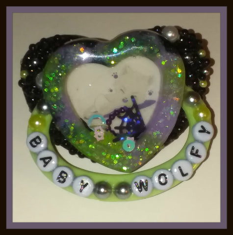 TINY TERRORS Deluxe Pacifier Heart Shaker Baby Wolfy DCP408