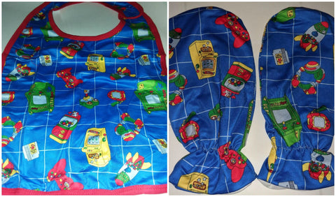 ULTRA PUPPY ARCADE GAMER Matching 2pc Bib Mittens Set