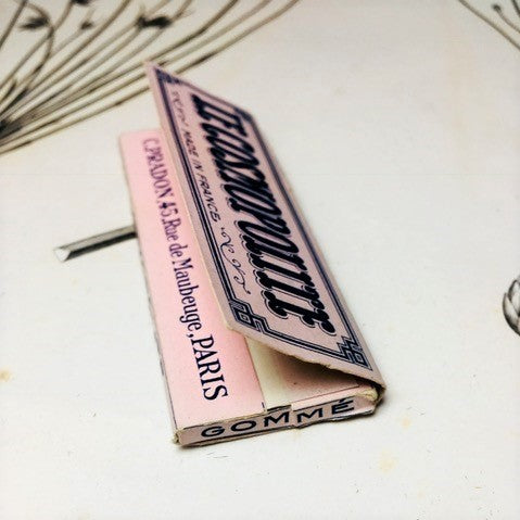 Antique rolling paper