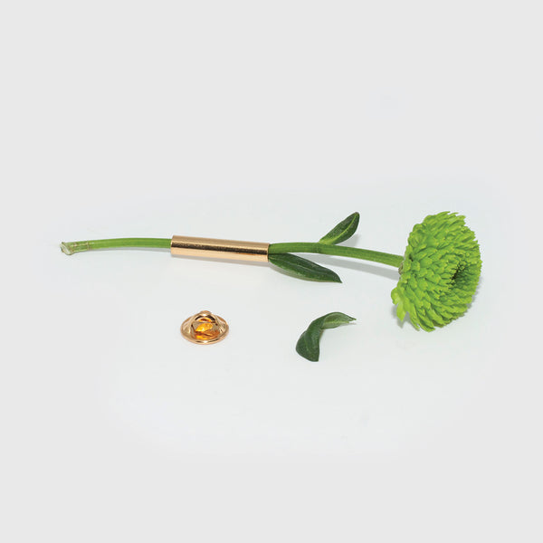 Brooch wears gold flower Alice magnin by Brigitte Tanaka