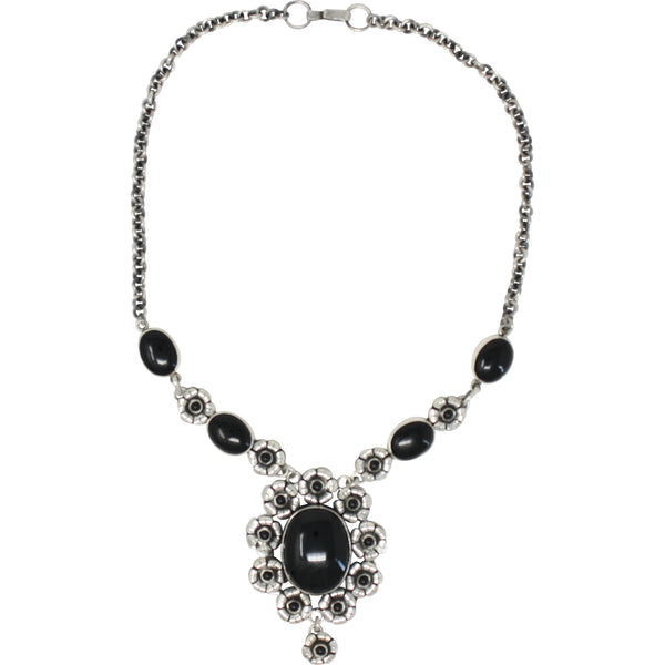 TM 73 ONYX AND FLOWER NECKLACE